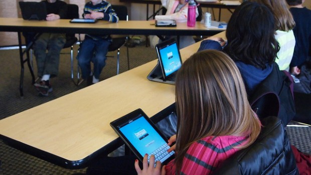 Students use educational apps in classroom.