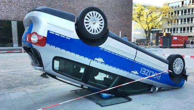 polizeiwagen_unfall_26812153452