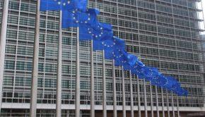 drapeaux_devant_la_commission_europeenne